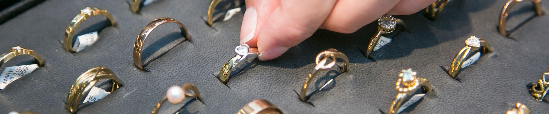 møller guld sølv og ure top